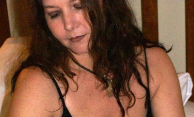 Du-sexe-hard-dans-une-rencontre-cougar-avec-femme-de-40-ans