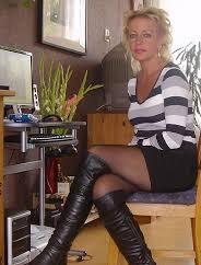 Rencontre-cougar-pour-une-femme-chaude-aux-petits-nichons