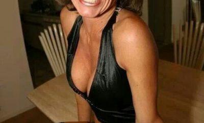 Brunette-mature-veut-se-faire-baiser-dans-une-rencontre-mature