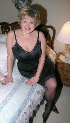 Plaisir-et-fantasmes-pour-une-femme-cougar-salope